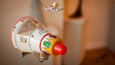 apollo_starship_tin_toy_masudaya_front